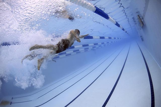 practica deporte en las piscinas de la morgal